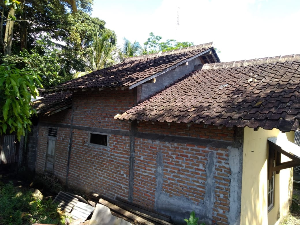 Trima Jasa Bungkar Renovasi Atap Rumah Kayu Dan Pasang Baja Ringan